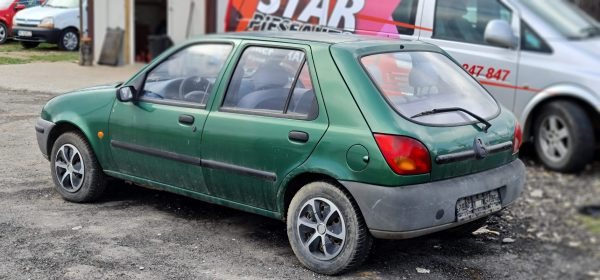 Dezmembrari / Dezmembrez Dezmembreaza Mazda 121 benzina⭐⭐⭐⭐⭐